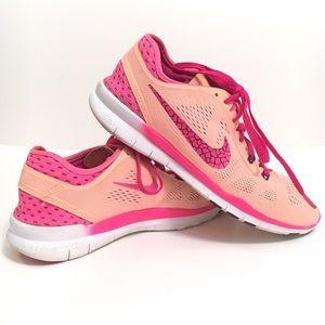 Nike free 5.0 tr ft tennis shoes peach